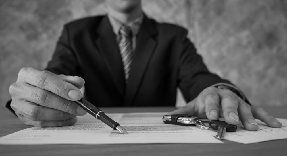 podpisywanie umowy pożyczki pod zastaw auta